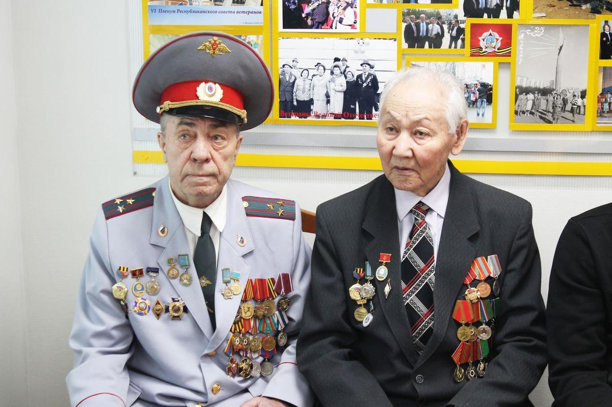 Перед ребятами выступил председатель  районного Совета ветеранов Николай Кулажин